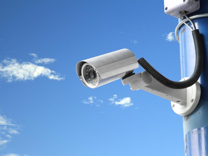 Une caméra intelligente pour surveiller la maison