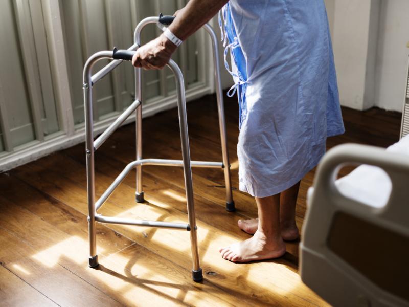 Aides pour Seniors à domicile et financement de la téléassistance